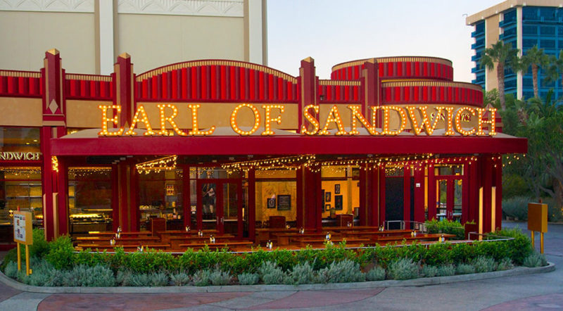 traveling with kids, family travel, subway, world's greatest hot sandwich, Earl of Sandwich, Holiday, The Full Montagu, Earl, Disneyland, Disney Dining Plan