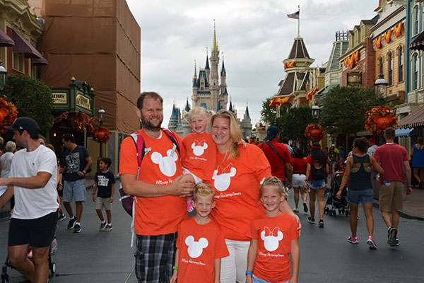 Walt Disney World, Happiest Place on Earth, Mickey Mouse, Hollywood Studios, Donald Duck, Chewbaca, Cinderella's Castle, Tiana, Princess and the Frog, Halloween