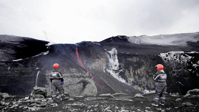 Volcano House, Iceland, Eyjafyallajokull, Reykjavik, Christmas in Iceland, Diapersonaplane, Diapers on a plane, creating family memories, traveling with kids, family travel