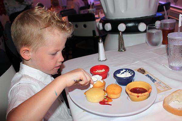 Disney Cruise Dining, Animator's Palette, Disney Food, Cruise Food, Cruise, Cruise Dining, Cruising with Disney, diapersonaplane, diapers on a plane, creating family memories, family travel,
