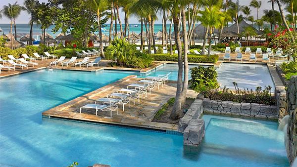 Hyatt Regency, Hyatt Regency Aruba Resort Spa and Casino, Beach, Aruba, Family Hotel, Upscale Hotel, Caribbean Hotel, Diapersonaplane, diapers on a plane, creating family memories, family travel, traveling with kids