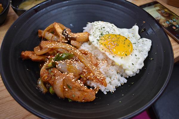 Lunch at Namdaemun Market in Seoul, South Korea