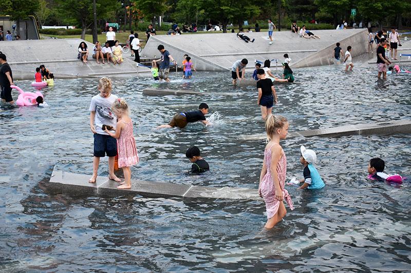 Water Feature at Bamdokkaebi Night Market with Kids
